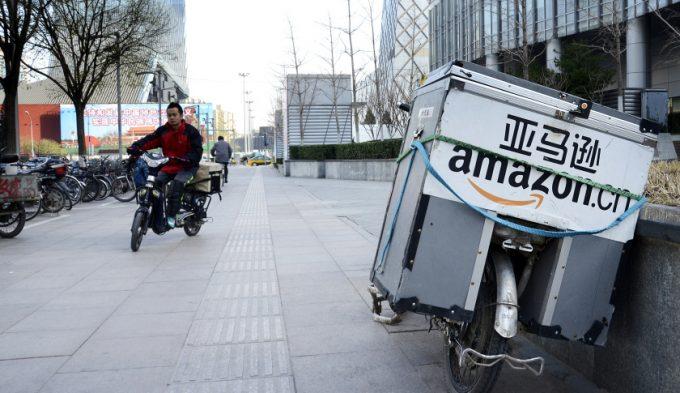 中国アマゾンが国際郵送を無料化